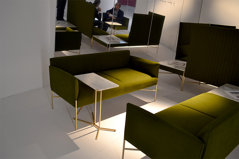 These olive green sofas are minimalist and modern